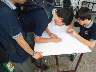 Por medio de firmas se registraba la participación de cada estudiante.