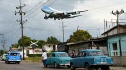 160322233621_cuba_airforceone_624x351_reuters_nocredit