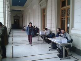 Pocos votantes en las mesas fue la tónica en algunas Facultades. En la imagen las mesas de Ingeniería.