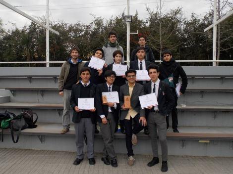 El equipo, junto a otros integrantes de la Academia que asistieron como público a la jornada.