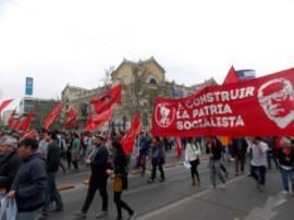 Por Alameda, San Antonio y Recoleta se trasladó la impresionante columna de gente en dirección a la tradicional romería.