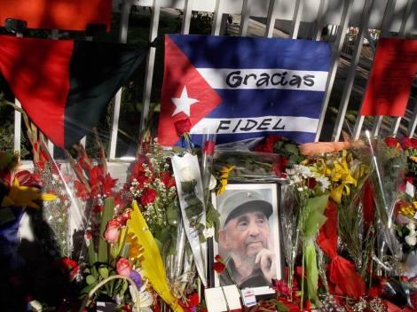 Durante varios días se espera la llegada de miles de personas hasta la embajada cubana para despedir a Fidel.